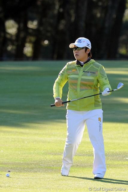 2011年  LPGAツアーチャンピオンシップリコーカップ 初日 申智愛 強風のこの日アンダーをマークできたのは韓国勢の3人だけ!いったい何が違うんやろか・・・。3位