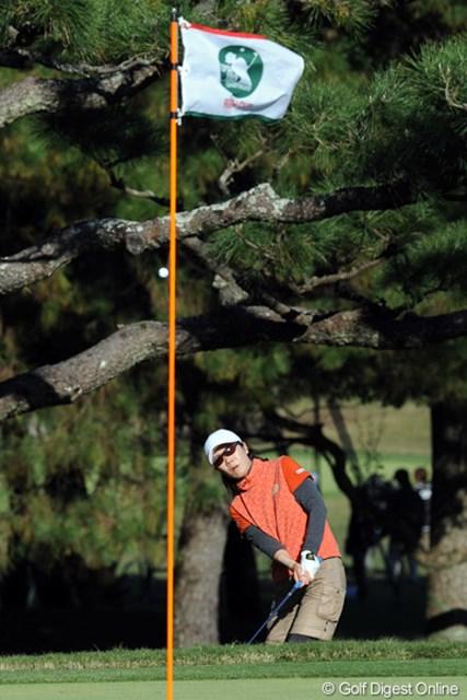2011年  LPGAツアーチャンピオンシップリコーカップ 初日 李知姫 韓流女子のボスが好調持続。「ゴルフに取り組む姿勢が素晴らしい」とキャディ君が真剣に語ってました。4位T