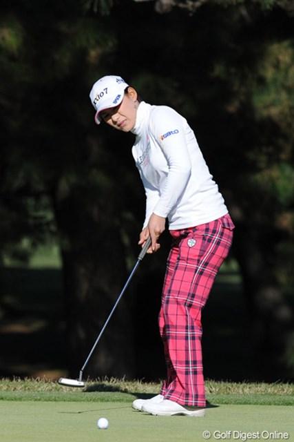 2011年  LPGAツアーチャンピオンシップリコーカップ 初日  横峯さくら 1億円宣言したのに・・・。まったくいい所なく6オーバーでフィニッシュ。家から通えるからリラックスできるんとちゃうんかいな?23位T