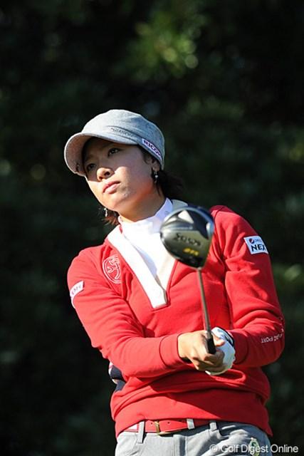 2011年  LPGAツアーチャンピオンシップリコーカップ 2日目 森田理香子  昨日はブビーメーカーやったのに今日は堂々の、数少ないアンダーパープレーヤーとなりました。さすがはホステス!コース攻略のコーナーも見てネ!1日で18ホール撮影したんやから~!19位T