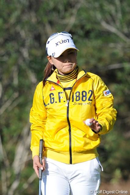 2011年  LPGAツアーチャンピオンシップリコーカップ 2日目 横峯さくら  姐さん!いったい全体どないしたんでっか?ちょっと信じられん順位&スコアでしょ?まァ、奇跡の人やから、明日何があるかわからんけどネ!25位T