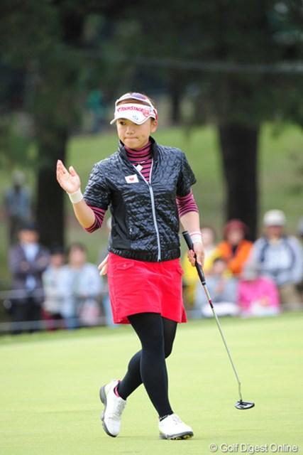 2011年 LPGAツアーチャンピオンシップリコーカップ 最終日 有村智恵 3番バーディ&4番チップインで「奇跡の幕開けか~!」と周囲を驚かせてくれました~!強さを再確認させられた1週間でした。アルタス!6位T