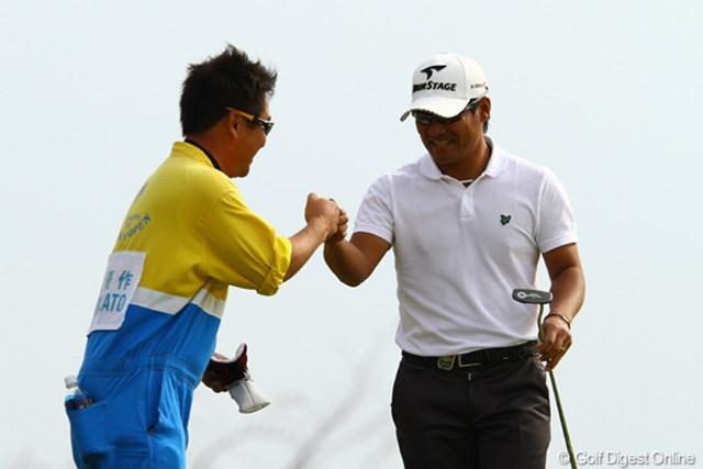 2011年 カシオワールドオープンゴルフトーナメント 最終日 宮里優作 入れる!