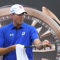 後ろのオメガの時計を見事にゲットしたアメリカのマット・クーチャー 2011年 オメガミッションヒルズワールドカップ 最終日 マット・クーチャー