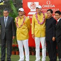 ウィナーズジャケットは黄金の中国人民服 2011年 オメガミッションヒルズワールドカップ 最終日 マット・クーチャー ゲーリー・ウッドランド