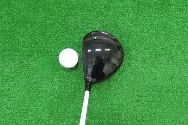 マーク試打 本間ゴルフ パーフェクトスイッチ 390 NO.2 ヘッドは小ぶりな砲弾型。操作性がよく弾道を打ち分けやすい