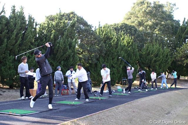 ホットリスト(2) 鶴舞CCの練習場で行われた試打会の模様