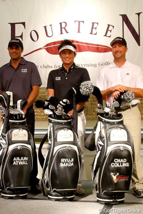 フォーティーンとの用具契約を発表した今田竜二。米国PGAツアーではアージュン・アトワルとチャド・コリンズに続き3人目となる 2012年 ソニーオープンinハワイ 事前 今田竜二