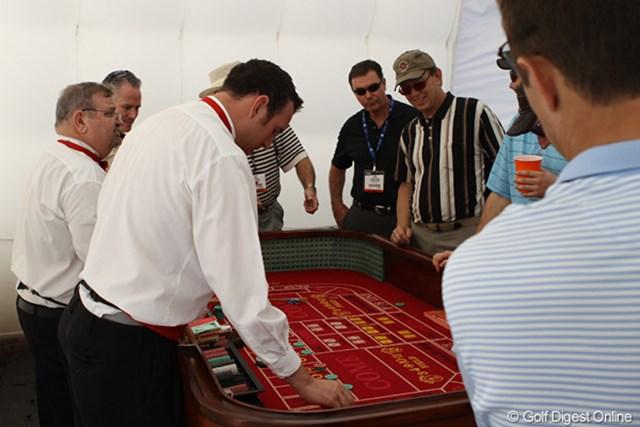 突然出現したカジノテーブルだが、これもキャンペーンの一環に組み込まれている