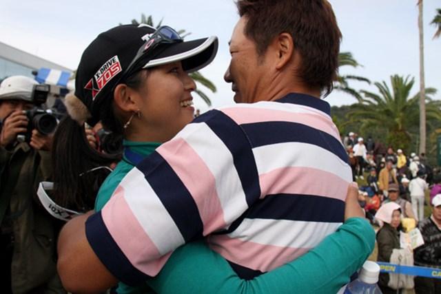 2012年も、高山忠洋と梢夫人の熱い抱擁シーンを多く見られるだろうか