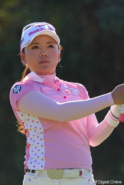 開幕戦への欠場を表明した有村智恵。3月いっぱいは左手首の治療に専念する
