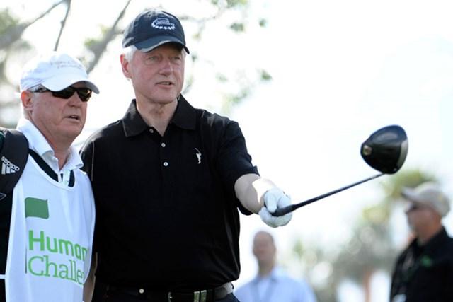 ホスト役を務めた大会のプロアマ戦に出場したビル・クリントン元大統領。トーナメントを通じて健康問題にアプローチしている。(Denis Poroy/Getty Images)