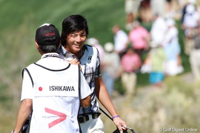 最終18番ホール。粘りのゴルフで逆転勝利を決めた石川遼。