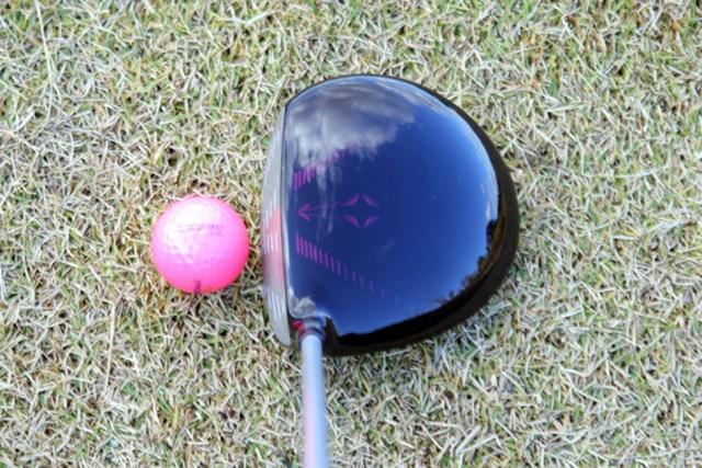 「アスリート女子ゴルファー必見!」ブリヂストン TOURSTAGE V-iQ CL ドライバー No.2 構えるとターゲットアイに視線が集中し、目標意識を高めてくれる