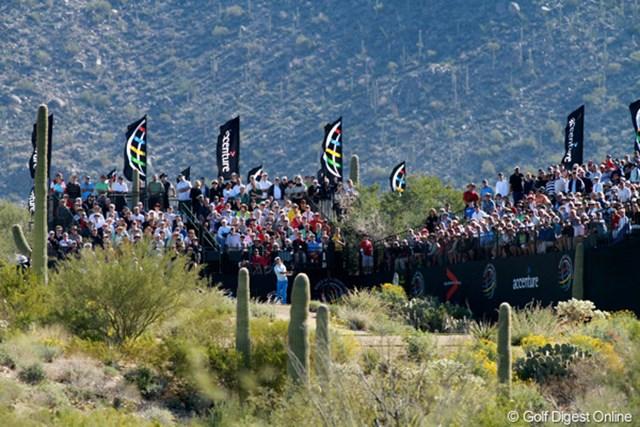 見渡す限りサボテンと岩砂漠が広がる土地に、すばらしいゴルフコースがある