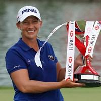 4人によるプレーオフを制したアンジェラ・スタンフォード(Andrew Redington/Getty Images) 2012年 HSBC女子チャンピオンズ 最終日 アンジェラ・スタンフォード