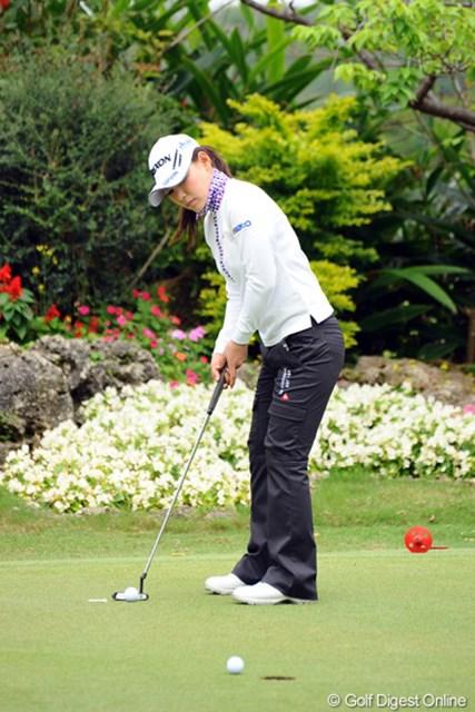 2012年 ダイキンオーキッドレディスゴルフトーナメント 事前 横峯さくら 先週のアジアン女子ツアーを4位タイで終えた横峯さくら。パット、ショットともに手ごたえを口にする