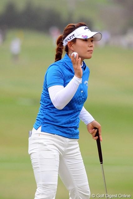 今年も堅実なゴルフで調子良さそうですなァ。韓流勢はオフにガッチリ練習するから強いんですワ。首位タイ