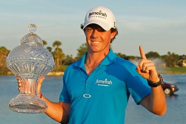 2012年 ザ・ホンダクラシック 最終日 ロリー・マキロイ T.ウッズの猛追をかわし、今季初勝利を挙げたR.マキロイ。ついに世界ランクトップに上り詰めた。(Mike Ehrmann/Getty Images)