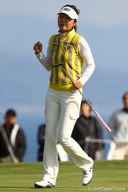 2012年 ヨコハマタイヤゴルフトーナメントPRGRレディスカップ 2日目 カン・スーヨン あまり撮影した事なかったのですが・・・。結構力強いガッツポーズとかパフォーマンス見せてくれます。