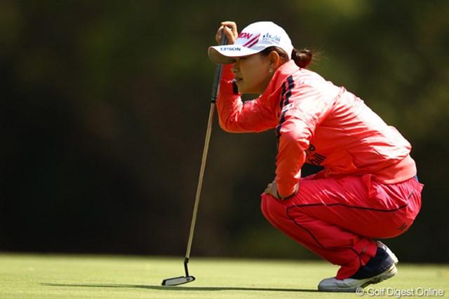 2012年 ヨコハマタイヤゴルフトーナメントPRGRレディスカップ 2日目 横峯さくら ノーバーディで5つスコアを落とし、優勝戦線からは一歩後退。