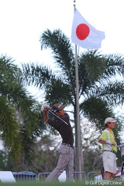 試合後、初タイトルのかかる最終ラウンドを前に打撃練習場で打ち込んだ石川遼