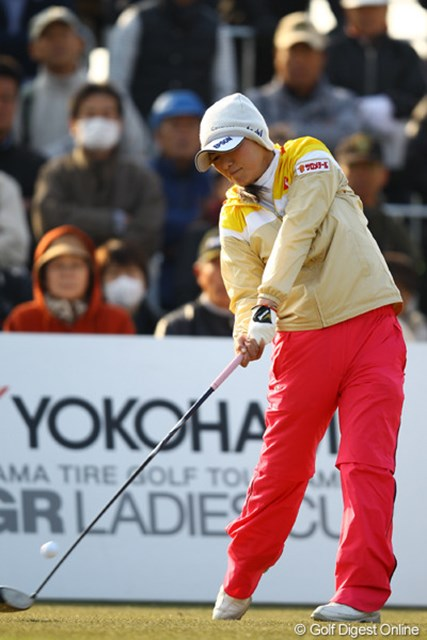 2012年 ヨコハマタイヤゴルフトーナメントPRGRレディスカップ 最終日 横峯さくら ミスの範囲は狭くなったが、まだまだ本調子には遠い横峯さくら。春はもう少し先か