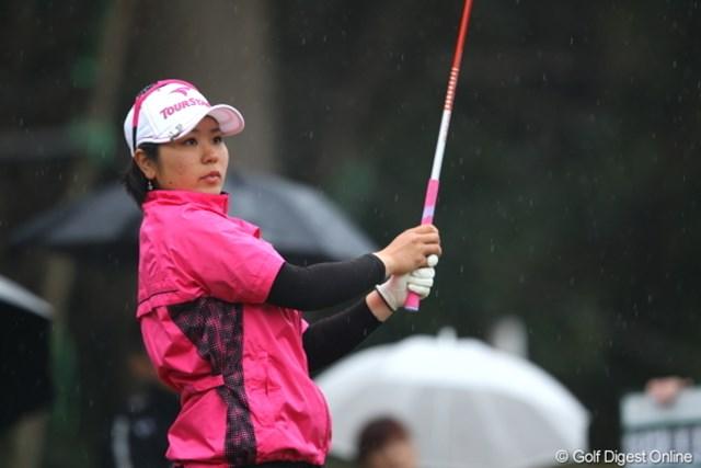 2012年 Tポイントレディスゴルフトーナメント 初日 比嘉真美子 開幕戦に続き、上位争いを演じる比嘉真美子