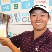 韓国系アメリカ人でツアールーキーのデビッド・リプスキーが3戦目で初優勝。ここでも韓国選手の強さを見せつけた(写真提供:アジアンツアー) 2012年 ハンダファルドカンボジアンクラシック 最終日 デビッド・リプスキー
