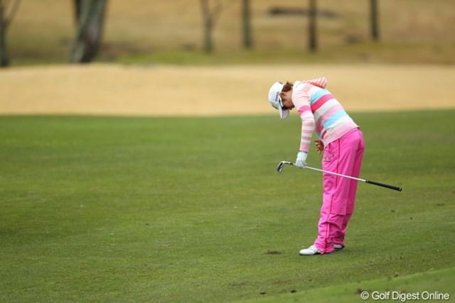 2012年 Tポイントレディスゴルフトーナメント 最終日 飯島茜 確かこのくらいお腹が出てたなぁ。