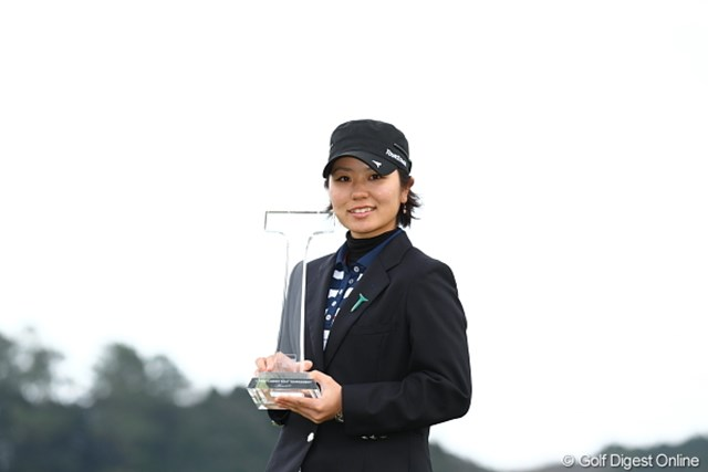 2012年 Tポイントレディスゴルフトーナメント 最終日 比嘉真美子 開幕戦に続きローアマ獲得。「1試合1試合、成長していると思う」と比嘉真美子