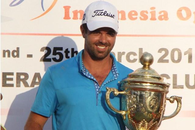 2012年 インドネシアオープン 最終日 ニック・カラン 終盤ピンチもあったが1打差で逃げ切ったニック・カラン ※写真提供/じゃかるた新聞