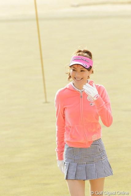 「楽しかった~」とホールアウト後のこの笑顔。ゴルフの楽しさに魅了された?