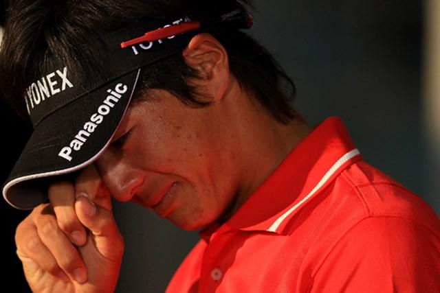 終盤に痛恨のダボ・・・。僅か1打及ばず2年連続の予選落ちを喫し、悔し涙をこぼした(Taku Miyamoto/Getty Images)