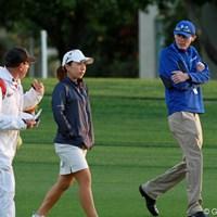 朝日を受けながら練習ラウンドをこなす宮里美香。「今週は楽しむゴルフをしたい」 2012年 クラフトナビスコ選手権 事前 宮里美香