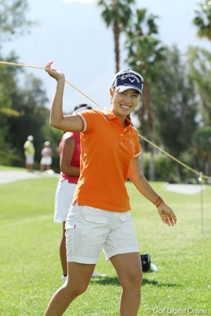 好成績にラウンド中も表情は柔らかい。緩急のメリハリもゴルフには大切な要素だ