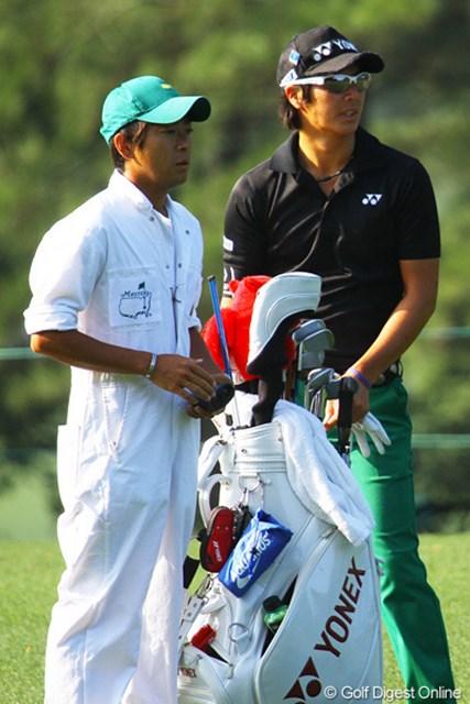 開幕前日の石川遼と加藤キャディ。2人は、いまの状態の良さを共有している。