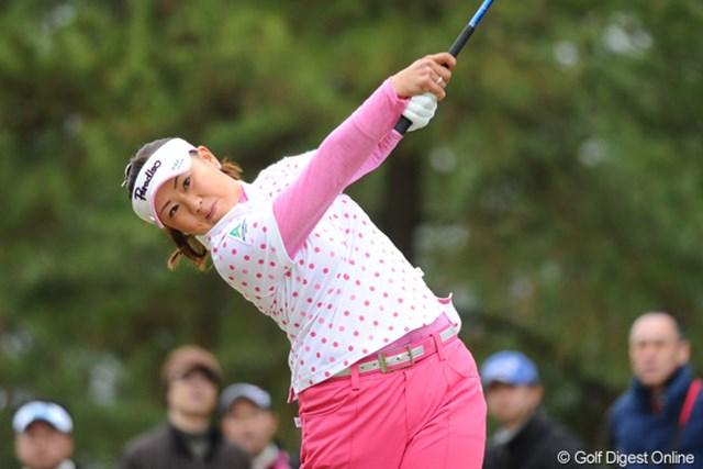 2012年 スタジオアリス女子オープン 2日目 佐伯三貴 遂にミキチー姐さんが韓流軍団を撃破するときが来たようです。1ボギーで収めたのは姐さんとジエだけ。明日はガップリ四つです!