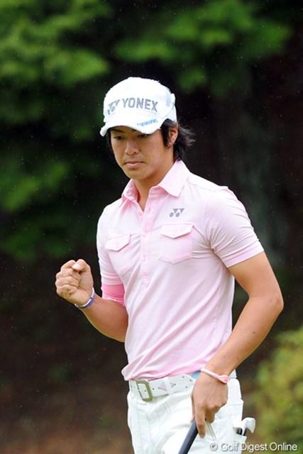 2012年 つるやオープンゴルフトーナメント 2日目 石川遼 5バーディ、2ボギーと3つスコアを伸ばして復活の狼煙を上げ、ギリギリで予選通過を果たしました!明日は裏街道やから、これまた撮影取材がやっかいやないか~い!50位T