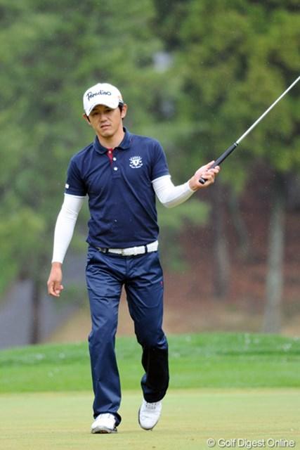 2012年 つるやオープンゴルフトーナメント 2日目 近藤共弘 ディフェンディングチャンピオンの意地を見せて予選通過!思えば去年も大雨で四苦八苦したもんなァ。何で毎年のように雨にたたられるんやろう?41位T