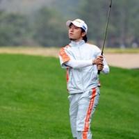 今日66をマークして1打差の2位タイにつけた藤田君のお弟子さんです。なので師匠と同じく66をマークしました!次元大介のようにユニークな顎ヒゲがトレードマークです。これってゲンかつぎ?16位T 2012年 つるやオープンゴルフトーナメント 2日目 河瀬賢史