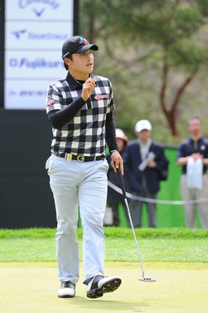 2012年 つるやオープンゴルフトーナメント 3日目 李京勲 韓流のニュー・フェイスですワ。ベスト10に4人、ベスト16に7人って、どんだけ層が厚いね~ん!これでべ・サンムンがおったらどうなってるこっちゃら…。韓流男子恐るべし…。3位T