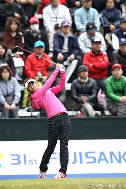 2012年 フジサンケイレディスクラシック 2日目 金田久美子 ディフェンディングチャンピオンが9ホール終了後に腰痛のため棄権!