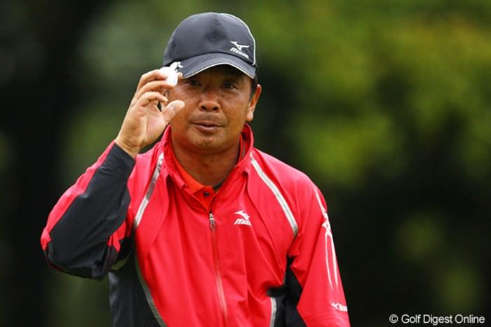 堅実なゴルフで首位と一打差の好スタートです。 2012年 中日クラウンズ 初日 白潟英純