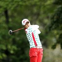 有村を捕らえ首位タイに浮上した韓国のイ・ジウ 2012年 サイバーエージェント レディスゴルフトーナメント 2日目 イ・ジウ