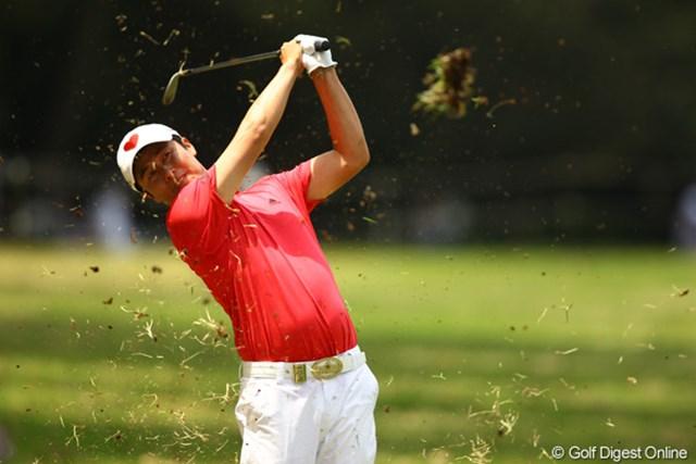 2012年 中日クラウンズ 最終日 I.J.ジャン ラフに入れてもステディなゴルフでボギーは打ちません。