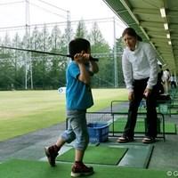 ミーティング委員の綾田紘子はレッスン要員としてイベントに参加した 2012年 心をひとつに 東日本大震災復興支援チャリティレッスン会 綾田紘子