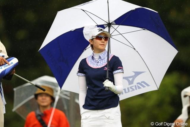 また今日も雨よ。ほんっとによく降るわねぇ?。