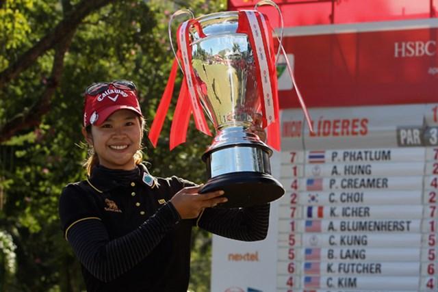 2012年 HSBC LPGAブラジルカップ 最終日 ポルナノン・ファトラム 2位に4打差をつけて優勝を果たしたポルナノン・ファトラム(Scott Halleran/Getty Images)