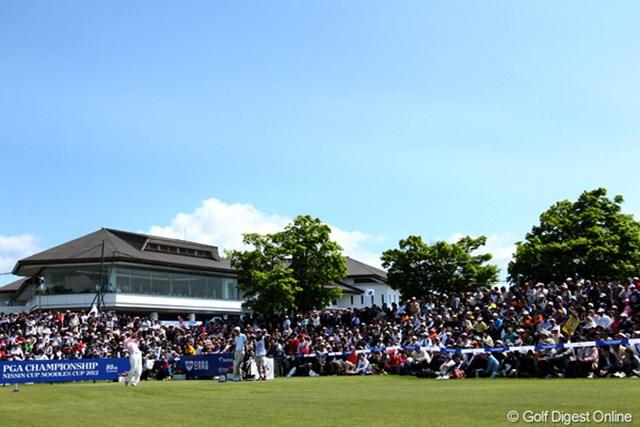 2012年 日本プロゴルフ選手権大会 日清カップヌードル杯 3日目 池田勇太 1番ティにギャラリーが集まること9,000人超!(今日のギャラリー数ですが)